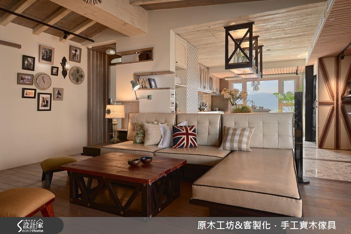 天花板以斜頂的概念包覆又低又粗的樑柱,營造如閣樓般小木屋的溫馨感,透過斜頂拉高能將視覺延伸,提升天與地之間的高度。