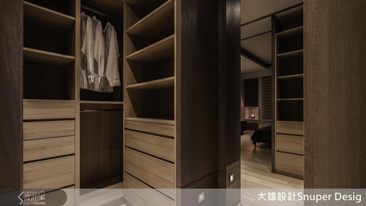 深度了解屋主的喜好,為不同的需求規劃適當的櫃體高度或抽屜,讓男性屋主也能擁有專屬更衣室。