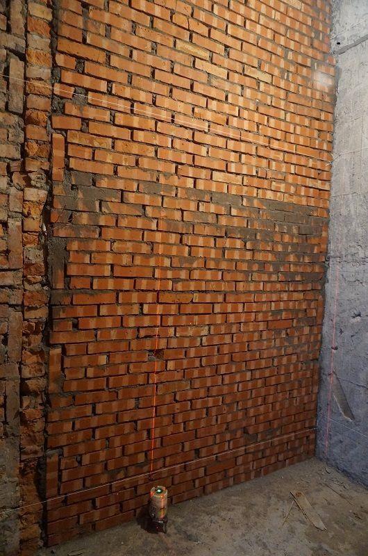 利用紅外線水平儀,即可準確確認砌牆時的水平與垂直是否無誤。