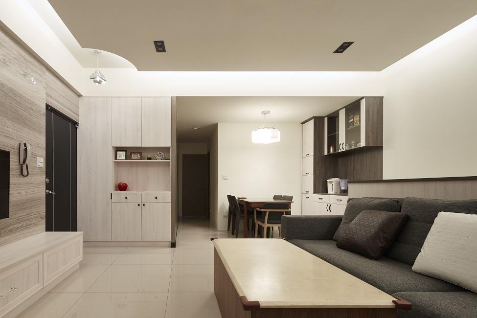 解法參考:【裝潢小跟班Ⅱ-8】改造尾聲:櫃體收邊、家具電器進場 看見嶄新純白光感生活!