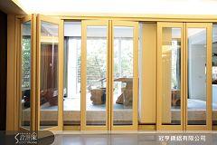 冠亨鋼鋁的防夾手進口疊門